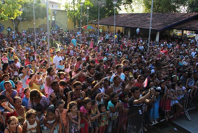 Centenas de crianças compareceram ao evento (Foto: Katiúscia Monteiro/ Rede Amazônica)