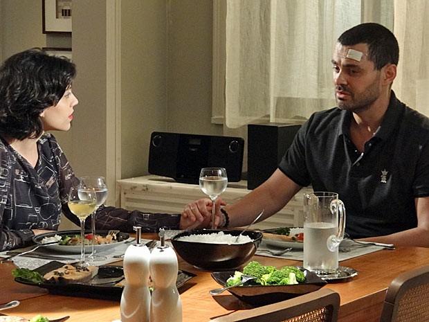 Fernando se abre com Miriam (Foto: Amor Eterno Amor / TV Globo)