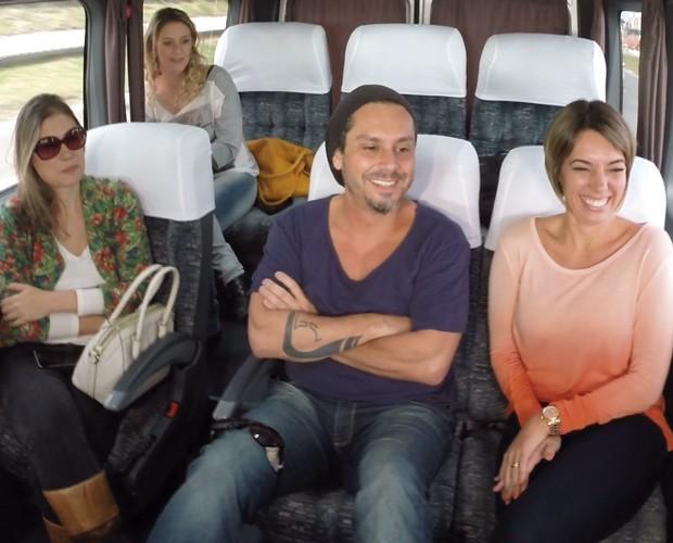 O Meu Paraná preparou um estúdio dentro de uma van, e o clima intimista favoreceu o papo (Foto:  Reprodução/RPC)