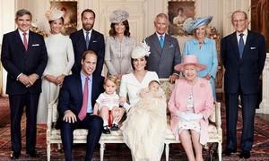Veja as fotos oficiais do batizado da princesa Charlotte