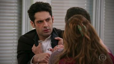 Beto confessa a Apolo é apaixonado por Tancinha