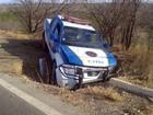 2 policiais ficam feridos em acidente com viatura da PRE na BR-242, na BA