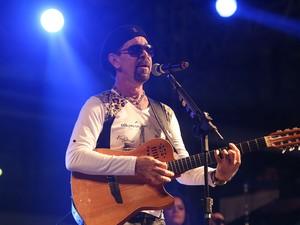Nando Cordel apresentou-se no espaço Sala de Reboco, palco interno do evento (Foto: Ivaldo Bezerra / Lumen Fotos)