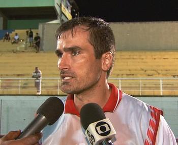 Edson Júnior, técnico do Rio Branco-AC (Foto: Reprodução/Rede Amazônica Acre)
