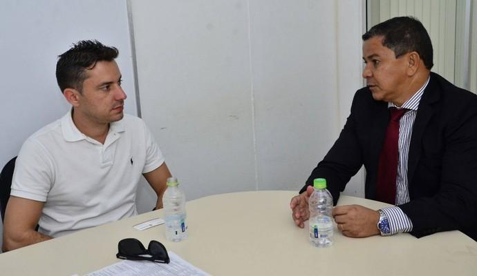 Secretário recebeu representante do movimento (Foto: Divulgação/Sejel)