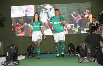Comandado por Walter, Goiás lança novo uniforme para temporada 2017