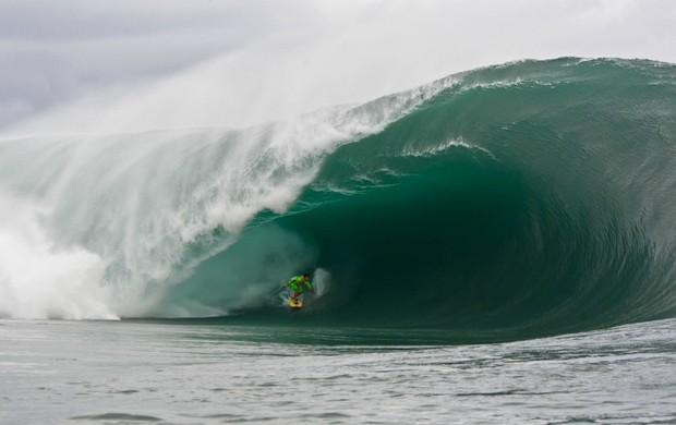 Surfe Pedro Scooby Teahupoo  (Foto: Brian Billman / Divulgação)