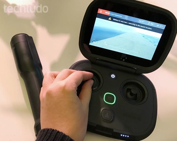 Controle remoto do Karma, drone da fabricante da GoPro (Foto: Anna Kellen Bull/TechTudo)