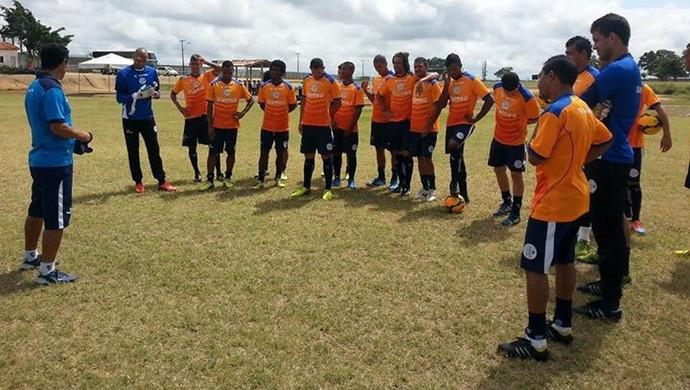 359387873a Confiança faz recreativo no CT do Fluminense de Feira (Foto  Divulgação ADC)