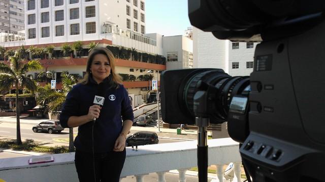 Vanessa Faro na redação da Copa (Foto: Priscila Martinez)