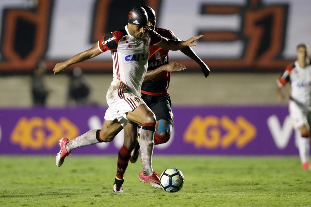 E se... Ederson titular faz torcida sonhar com rumo diferente na Libertadores