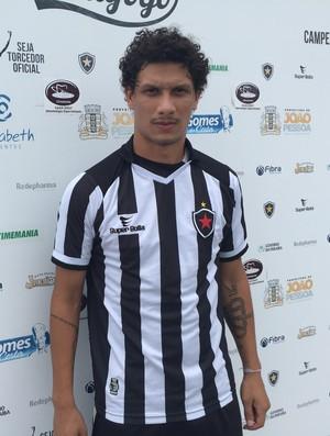 Lucas Patinho, meia do Botafogo-PB, Botafogo-PB (Foto: Lucas Barros / GloboEsporte.com/pb)