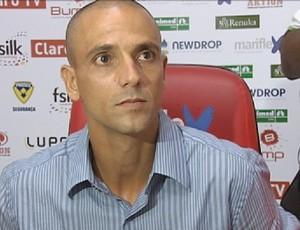 Bruno Quadros técnico Linense (Foto: Alan Schneider / Globoesporte.com)