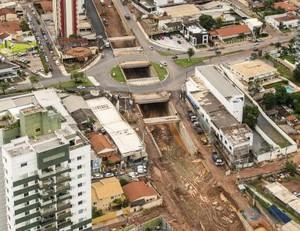 Cuiabá trincheira Santa Rosa Mobilidade Urbana Copa (Foto: Portal da Copa / Divulgação)