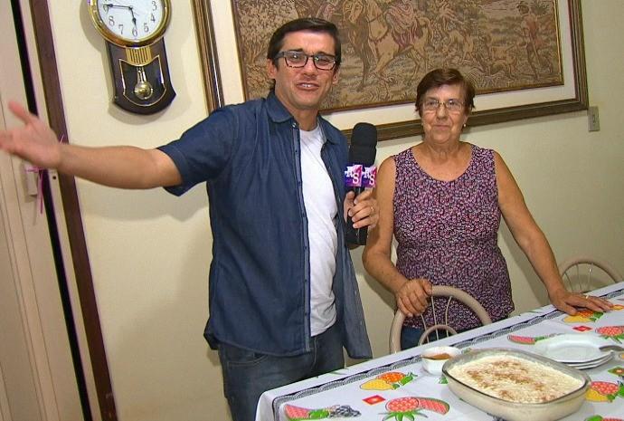 Marcão foi até a casa da dona Luzia provar o comentado arroz doce (Foto: Reprodução / TV TEM)