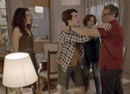 Ciça é expulsa de casa por Miguel