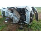 Motorista dorme ao volante e causa capotamentos na BR-020, diz PRF