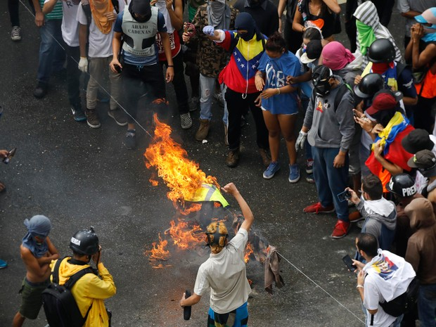 Venezuela vota Assembleia Constituinte em meio a protestos
