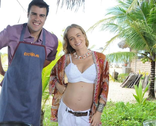 Grávida de Eva, Angélica grava com Joaquim Lopes (Foto: Estrelas/TV Globo)
