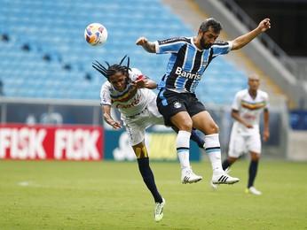 Douglas Grêmio Veranópolis  (Foto: Lucas Uebel/Grêmio )