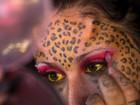 'Mulher leopardo' e 'mulher vampiro' se destacam em feira de tatuagem