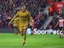 Kane marca, mas perde pênalti, Dele Alli faz dois, e Tottenham goleia