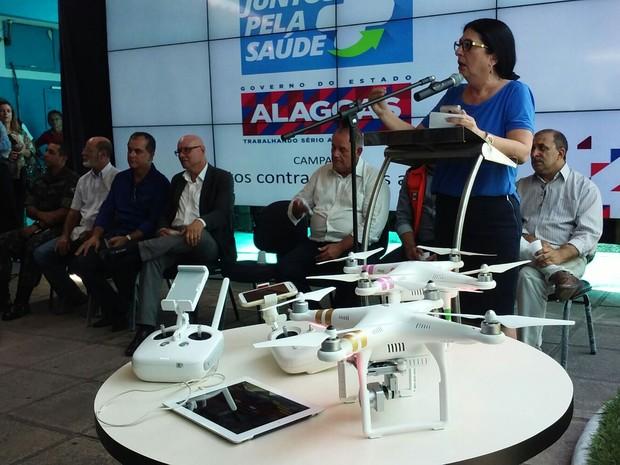 Drones que serão usados no combate ao mosquito foram apresentados (Foto: Lucas Leita/G1)