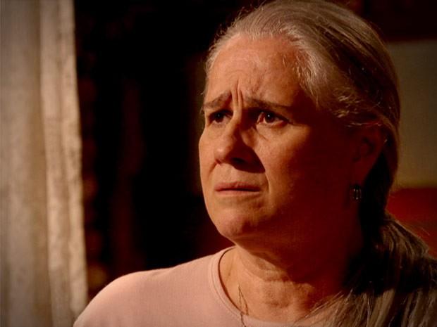 Lucinda diz que tentou ficar com Max e ele não quis (Foto: Avenida Brasil / TV Globo)