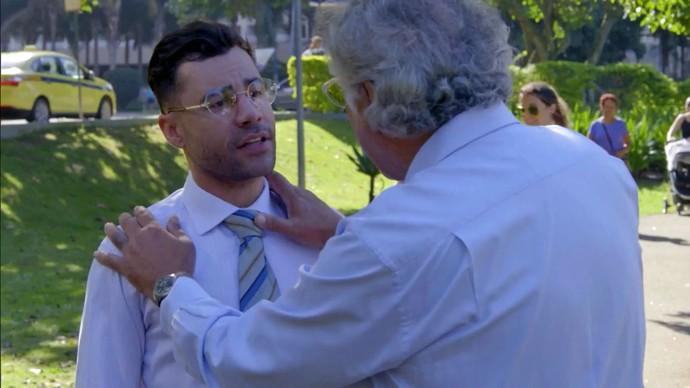 Zorra mostra como um médico pode ser útil em todas as horas (Foto: TV Globo)