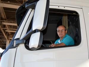 Caminhoneiro Vilson Roecher, de 58 anos, diz que melhorias na BR ainda são pouco perceptíveis (Foto: Anderson Viegas/Do Agrodebate)