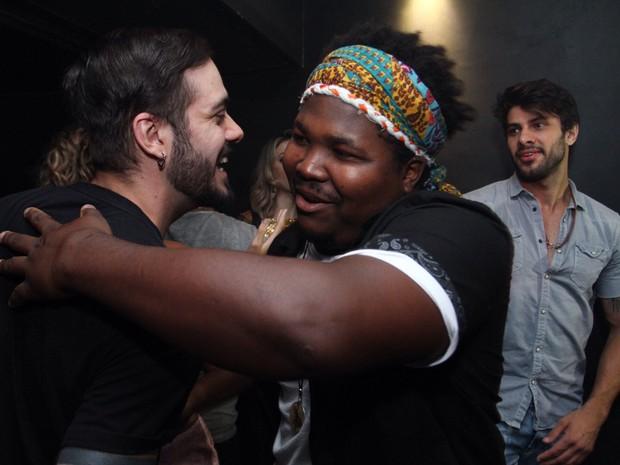 Ex-BBBs Max Porto, Ronan e Renan em festa na Zona Oeste do Rio (Foto: Anderson Borde/ Ag. News)