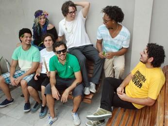 Coletivo Rádio Orquestra reúne músicos da cena independente pernambucana. (Foto: Divulgação / Coletivo Rádio Orquestra)