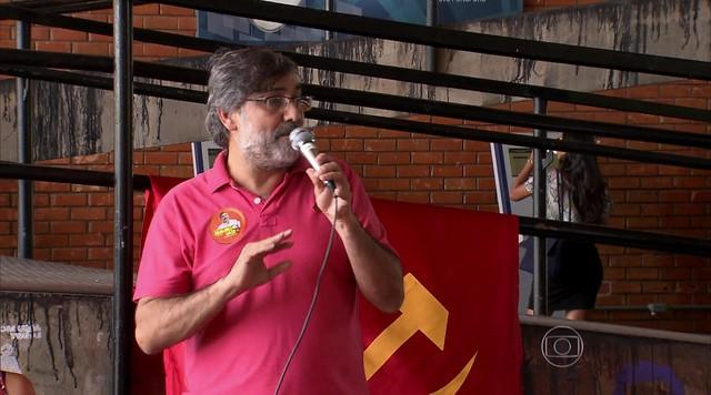 Mauro Iasi faz campanha em Brasília