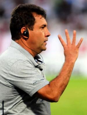 Zé Teodoro, técnico do Santa Cruz (Foto: Aldo Carneiro/Pernambuco Press)