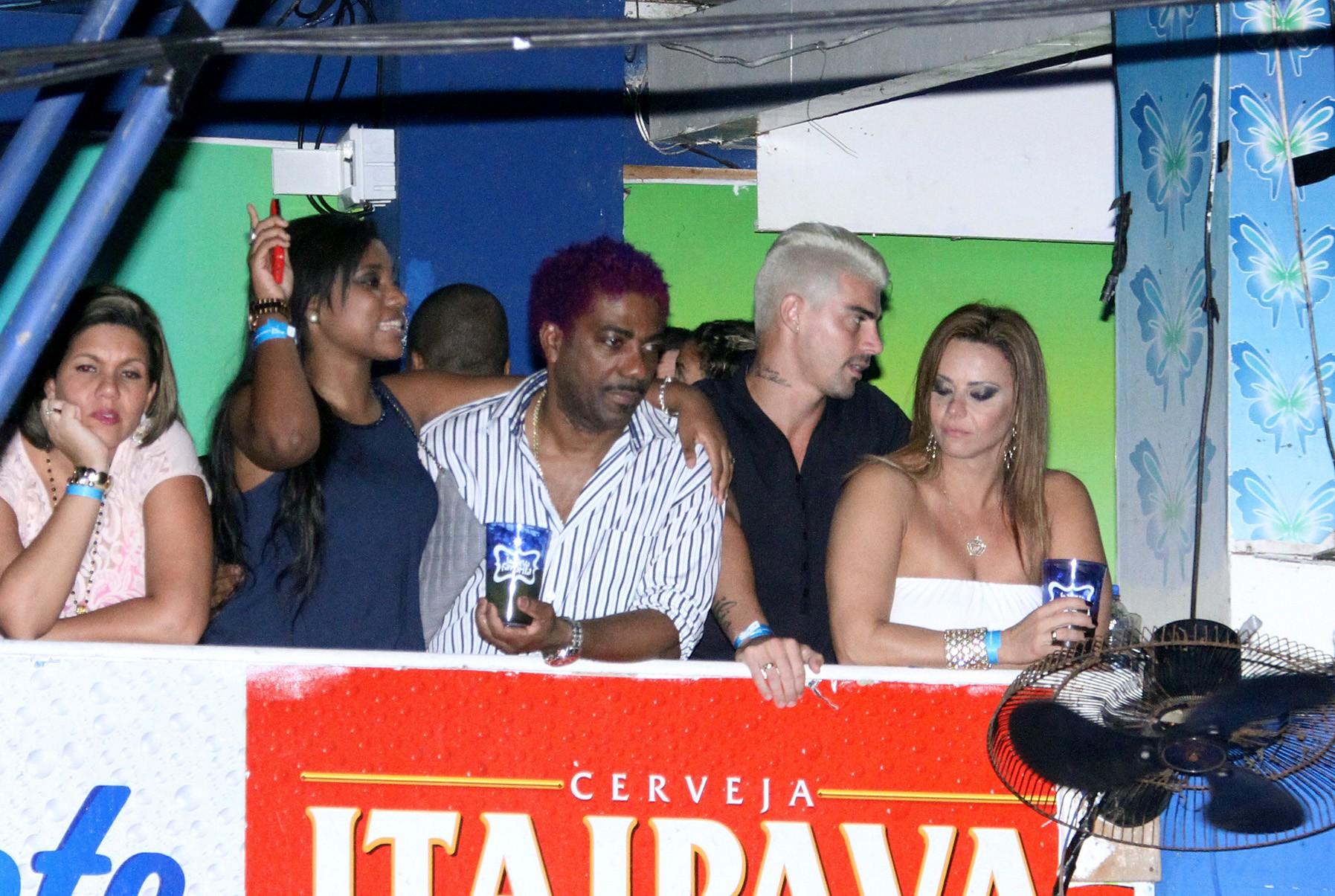 Viviane e Radamés (à dir.) no camarote (Foto: Daniel Pinheiro/R2 - Divulgação)