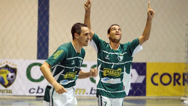 Cunhados, Bebeto e Pita comemoram 100% do Lagarto (Foto: Zerosa Filho/CBFS)
