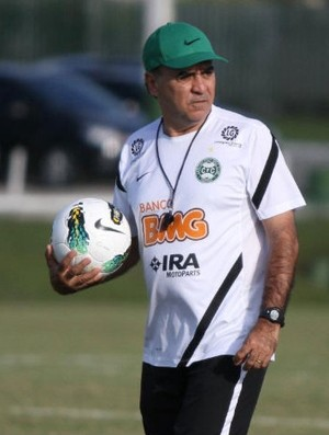 Marcelo Oliveira comanda treino do Coritiba (Foto: Rodrigo M. Weinhardt / Divulga&#231;&#227;o Coritiba)