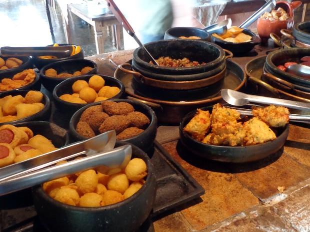 Fogão à lenha em restaurante de Morungaba (SP) (Foto: Matheus Filippi / G1 Campinas)