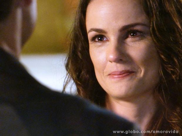 Gina confessa que Elias a faz sonhar (Foto: Amor à Vida/TV Globo)