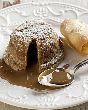 Petit gâteau de doce de leite (Foto: Iara Venanzi/Editora Globo)