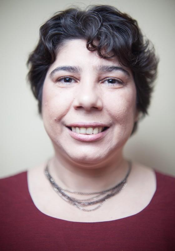 Vera Gomes, esquizofrenica mas que convive bem com a doença e se mantem produtiva (Foto: Rogério Cassimiro/ÉPOCA)