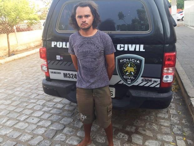 Leonardo de Melo Barros foi preso em Fortaleza (Foto: Polícia Civil/Divulgação)