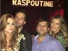 Marina Ruy Barbosa posa com namorado após apagar fotos do casal