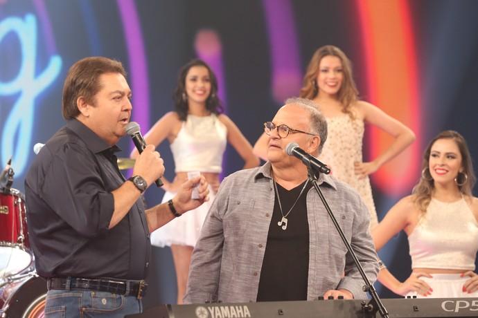 Guilherme Arantes conversa com Faustão (Foto: Carol Caminha/Gshow)