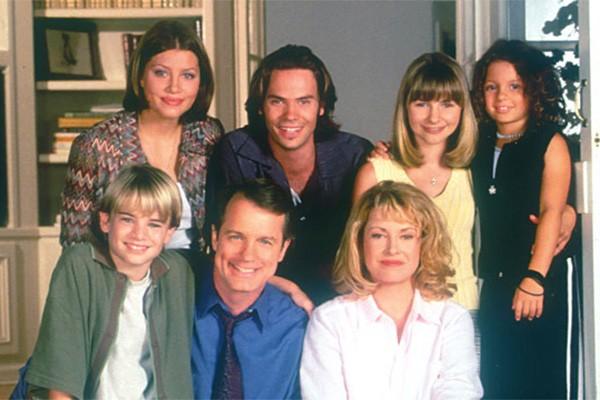 Os dramas da família do pastor Camden emocionaram o público de 1996 a 2007 na série 'Sétimo Céu'. (Foto: Divulgação)