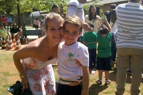 Jackeline Petkovic e seu filho Enzo (Foto: Arquivo pessoal)