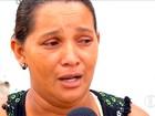 'Foi cruel', diz mãe de adolescente morto e queimado dentro de buraco