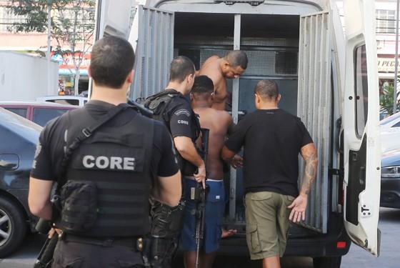 A operação do Bope na terça-feira (11) prendeu Fu da Mineira (Foto: Fabiano Rocha / Extra / Agência O Globo)