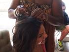 Isis Valverde investe em adereço no cabelo para curtir o carnaval na Bahia