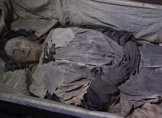 Corpo do bispo Peder Winstrup é um dos mais bem preservados do século 17  (Foto: Reprodução/YouTube/LundUniversity)